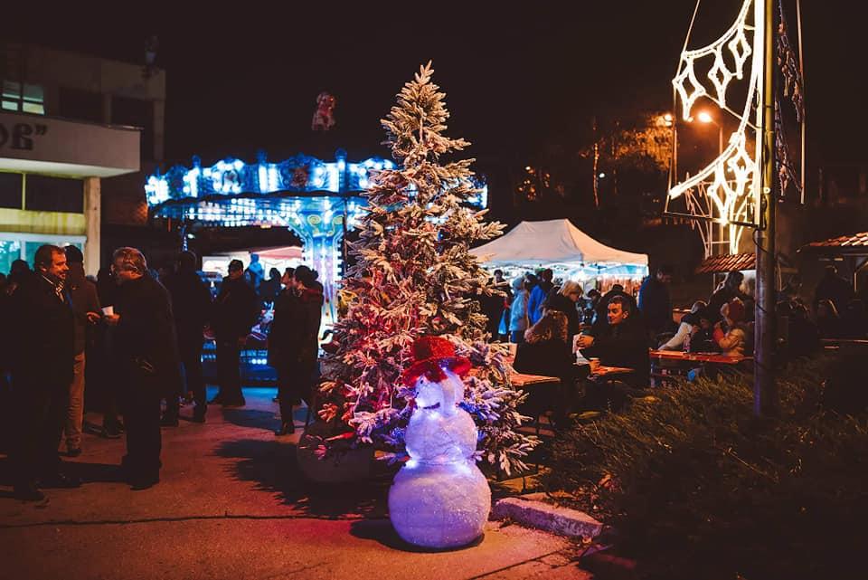 Снимки: Коледният дух във Владиславово