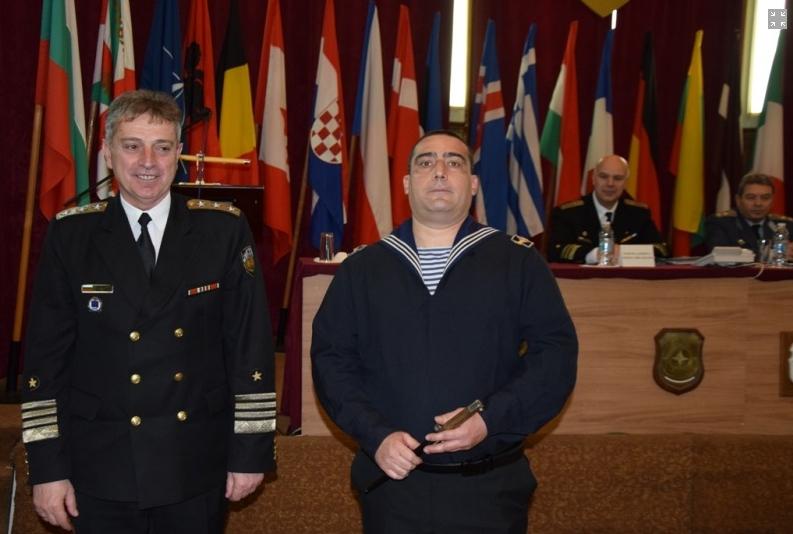 Наградиха матрос от Варна, спасил човешки живот