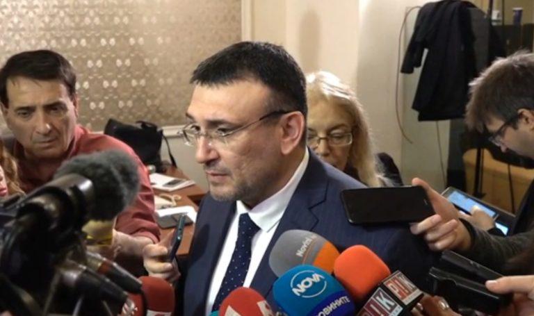 Няма данни взривът във Варна да е от боеприпаси, заяви Младен Маринов