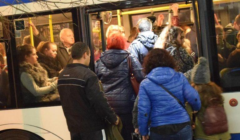 Жена от Игнатиево влиза в затвора за кражба на GSM в автобус