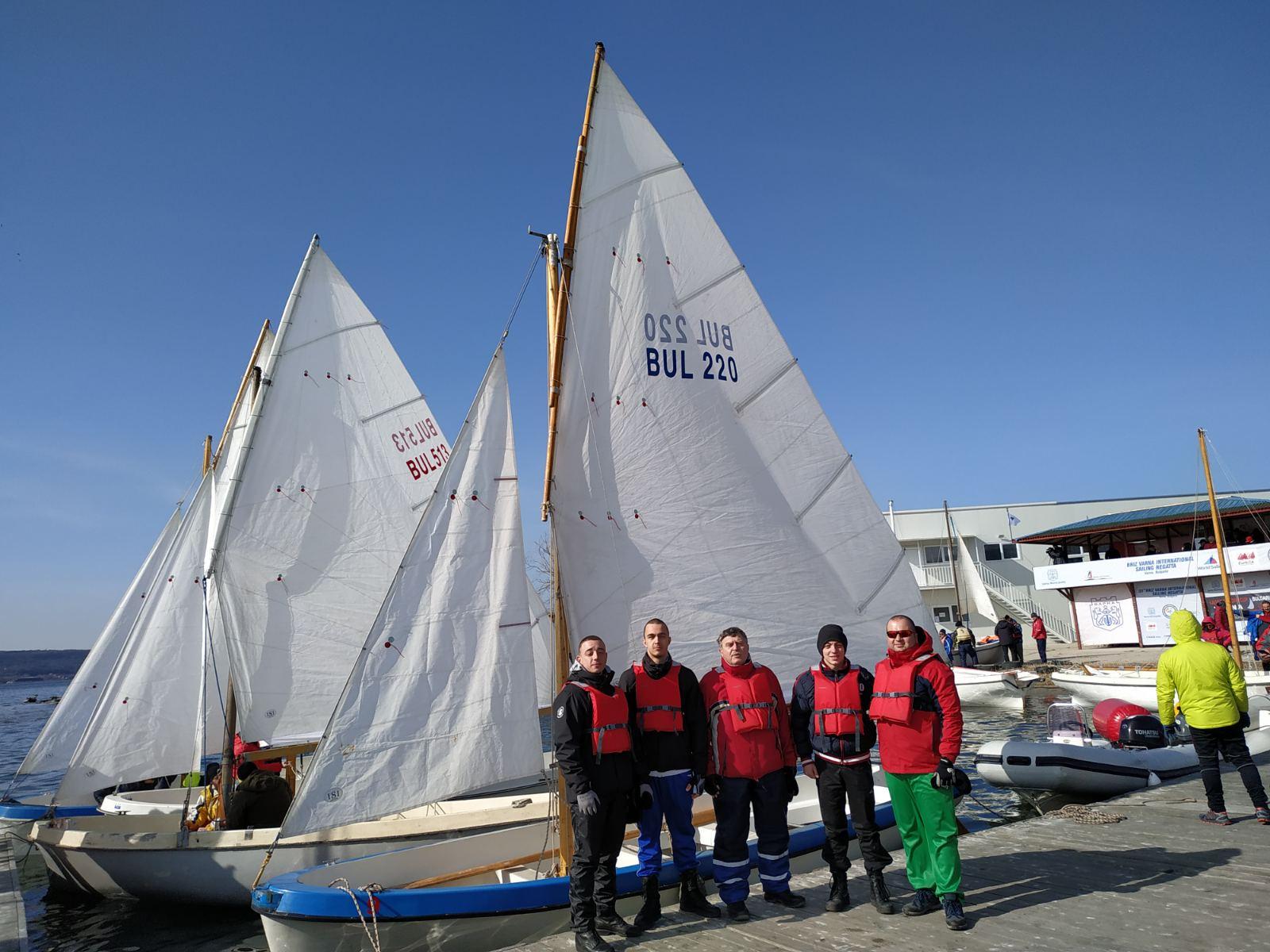 """Отбор на Морско училище спечели ветроходната регата """"Трети март"""""""