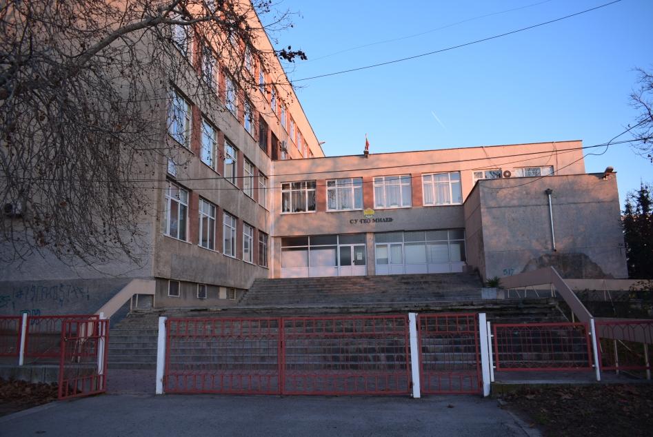 Учениците във Варна се връщат в класните стаи от утре