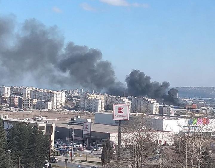 Нов голям пожар във Варна под Метро