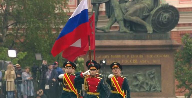 Русия няма да отмени парада за Деня на победата на 9 май