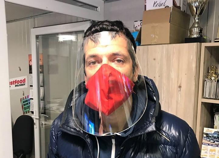 Портних: Успяхме да организираме производство на предпазни шлемове с фирма от Варна