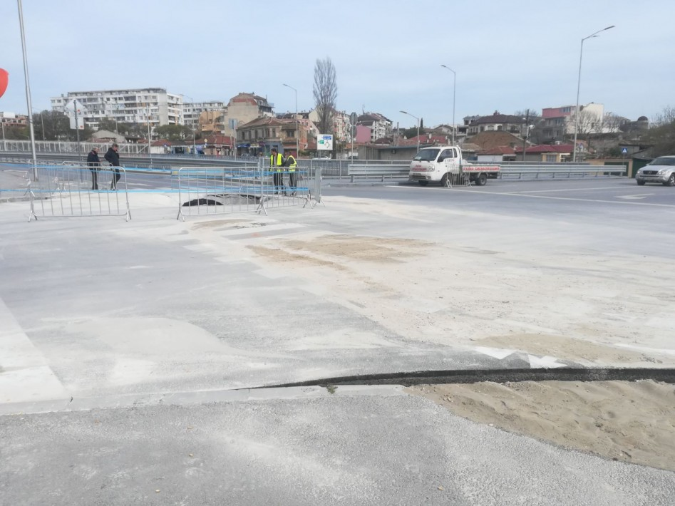 """Отстраняват авария с водопровод на локалното платно на бул. """"Левски"""""""