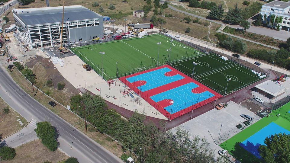 Напредва изграждането на спортно-развлекателния комплекс във Владиславово