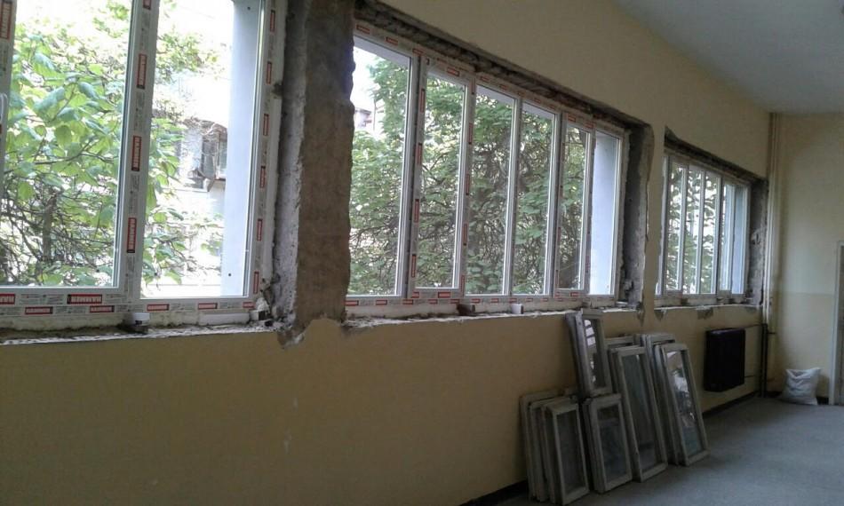 Ремонтират 17 училища във Варна