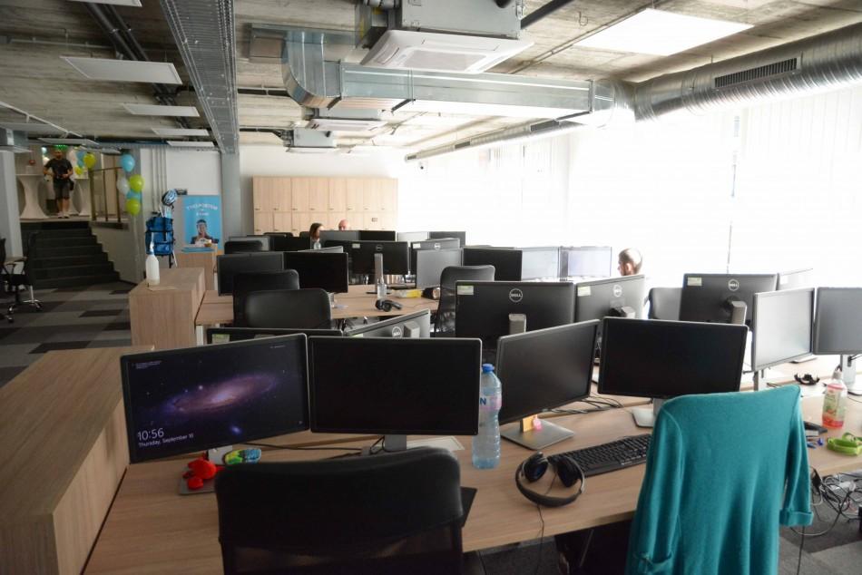 Българска аутсорсинг компания откри 100 работни места във Варна