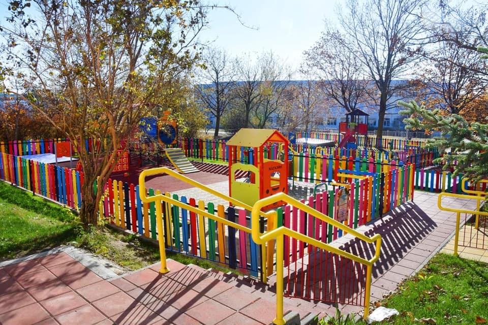 В 7 детски ясли и в 9 детски градини във Варна са изградени нови площадки за игра