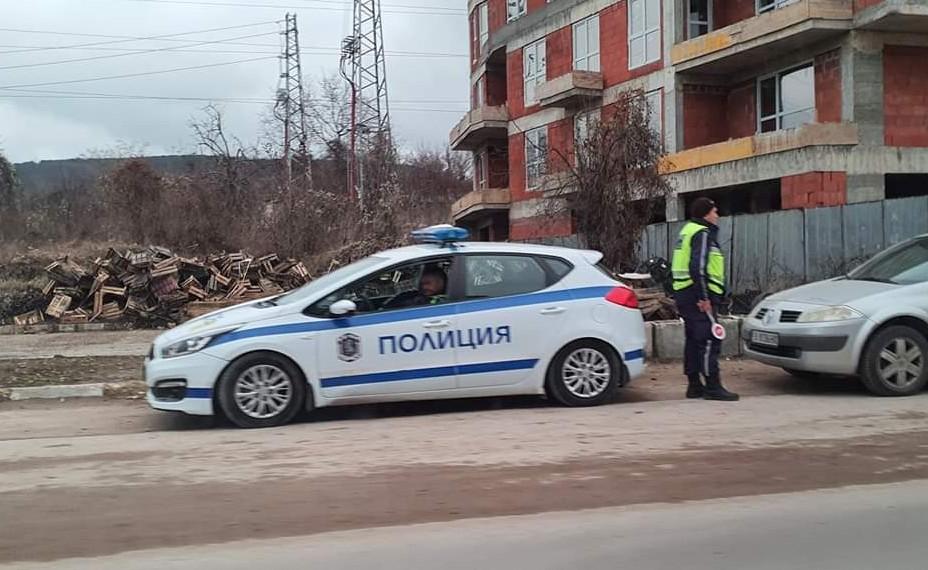 """Да не забравяме да бъдем внимателни на пътя е призивът на """"Пътна полиция"""""""