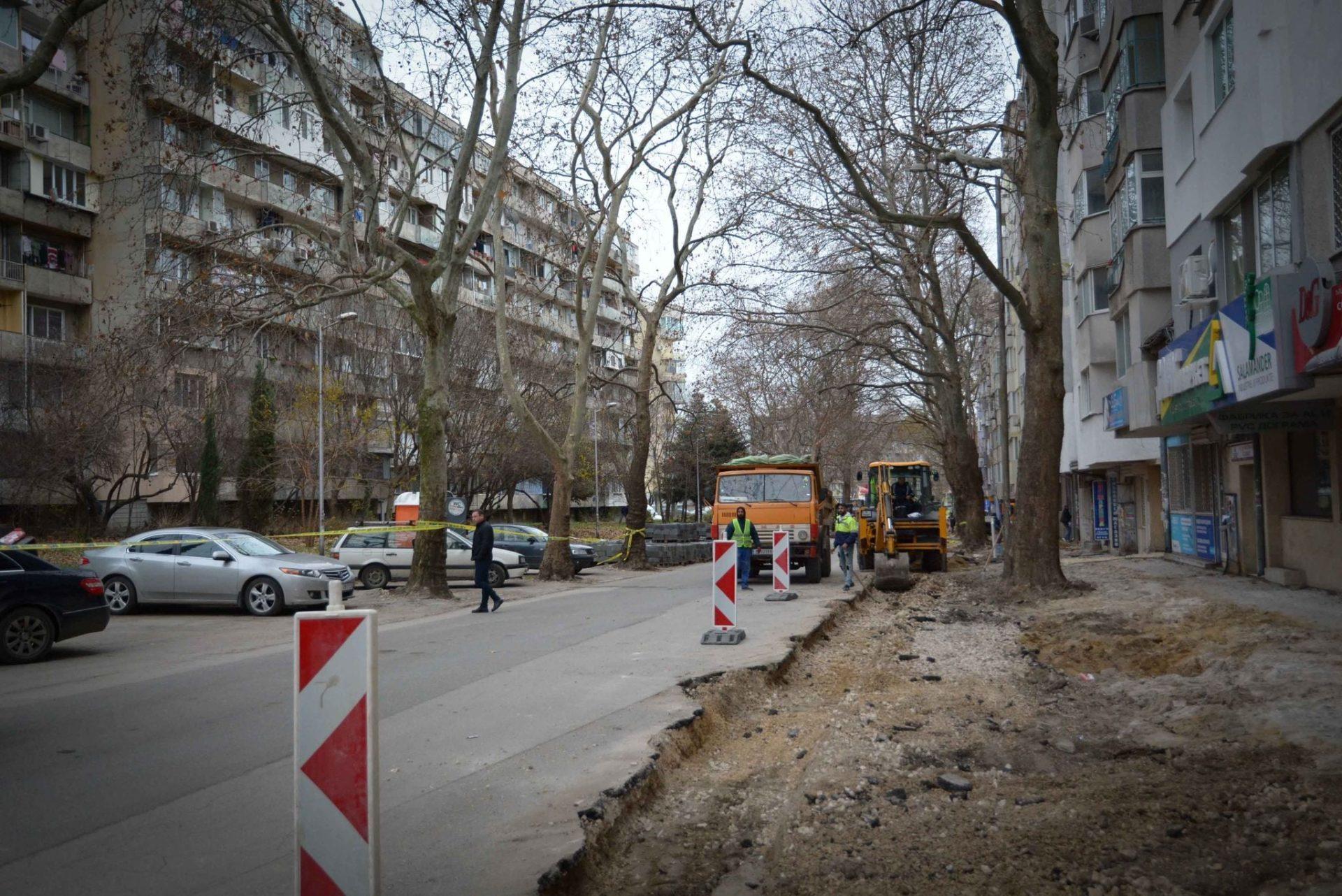 """Снимки: Как върви ремонтът на ул. """"Д-р Анастасия Железкова"""""""