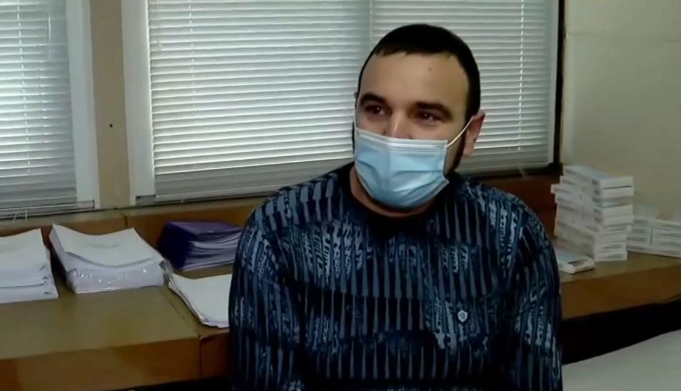 Д-р Веселин Василев от Белослав е първият ваксиниран във Варна