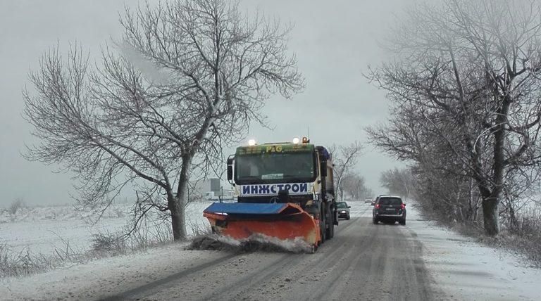 В Североизточна България ще продължи да вали сняг