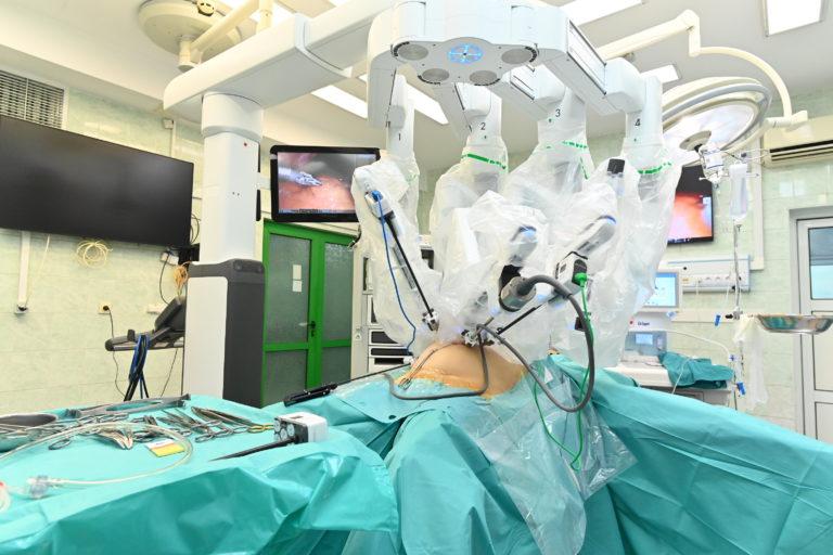 """В МУ–Варна и УМБАЛ """"Св. Марина"""" разширяват възможностите на роботизираната хирургия"""