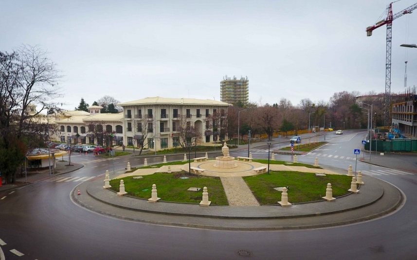 """Ново кръгово кръстовище е изградено в КК """"Св. Св. Константин и Елена"""""""