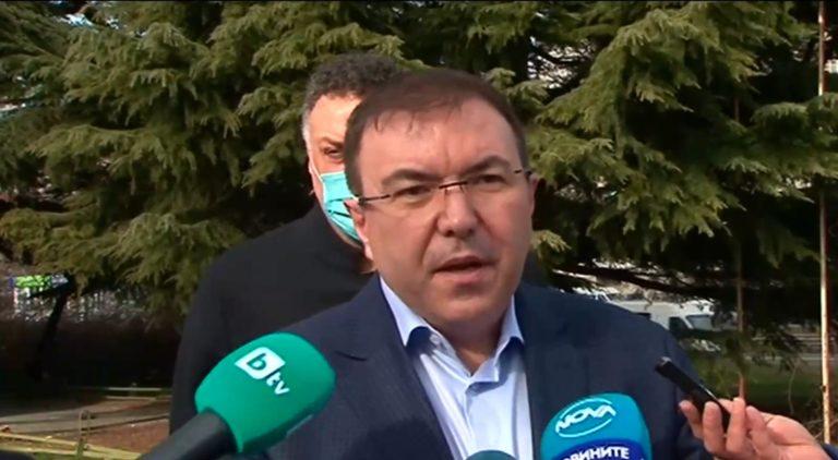 Министър Ангелов във Варна: Постепенно разхлабваме мерките, връщаме си живота