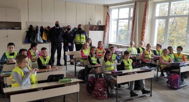"Поднови се обучението на деца по Програма ""Детско полицейско управление"""