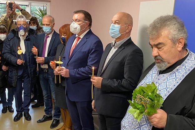 Министър Ангелов: България има възможността на ден да ваксинира между 50 до 100 000 души
