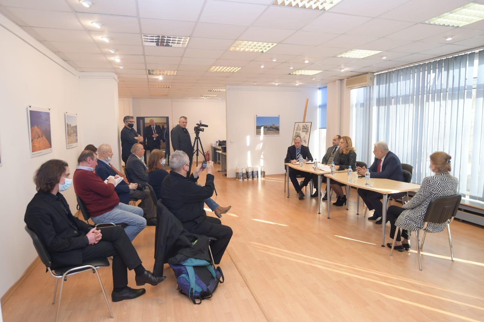 Вицепремиерът Марияна Николова пред полски журналисти: България е сигурна и безопасна четирисезонна дестинация