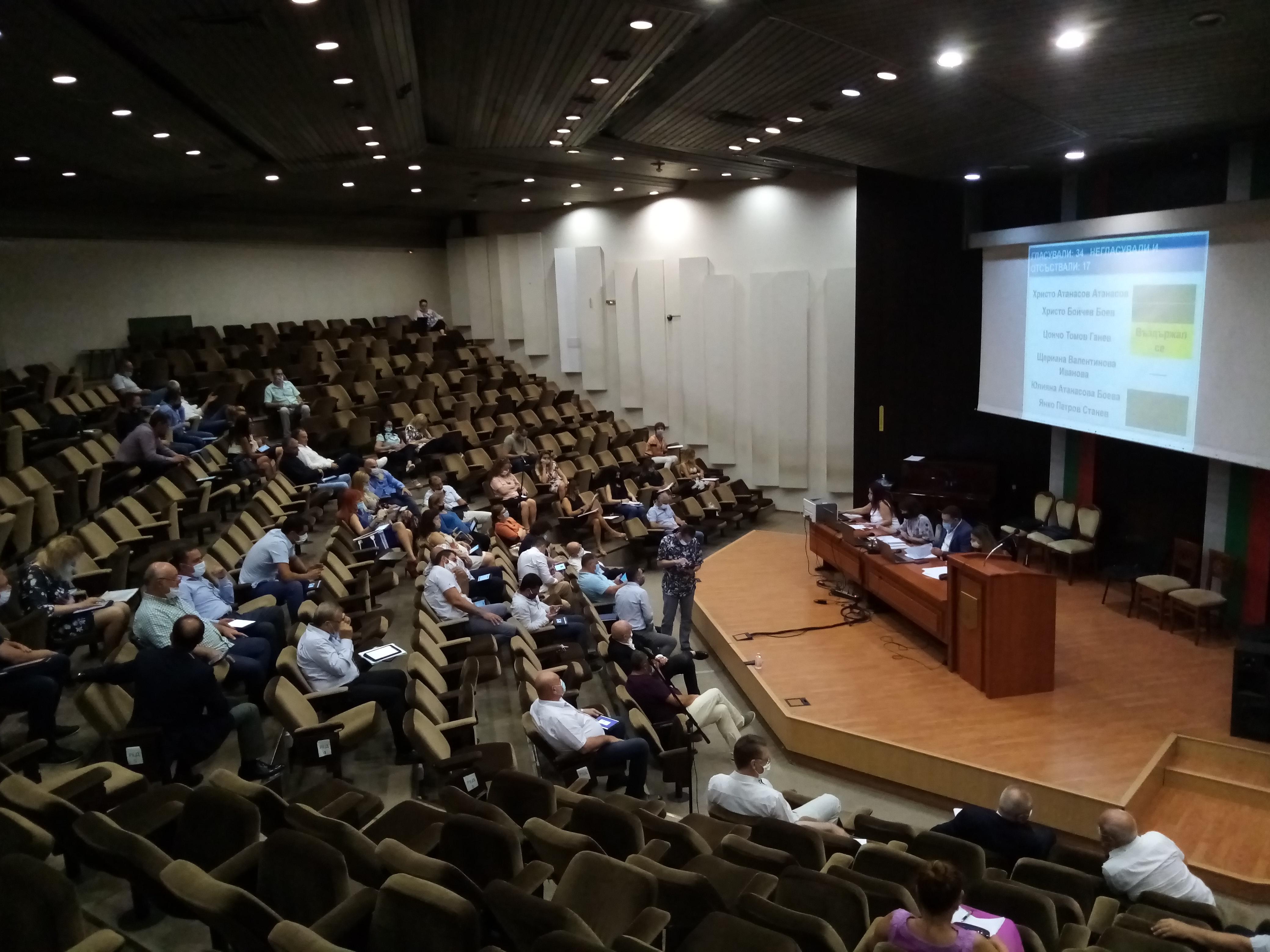 Местният парламент във Варна заседава извънредно