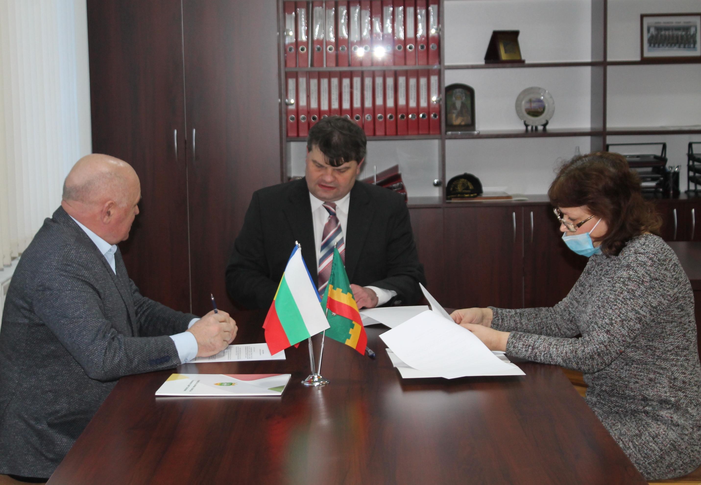"""ВВМУ """"Н. Й. Вапцаров"""" участва в рамково споразумение за сътрудничество"""