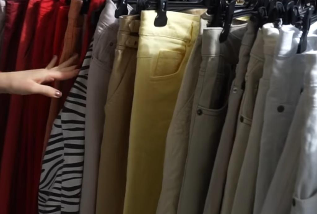 Повдигнаха обвинение на 26-годишна жена за измами с фалшиви дрехи чрез онлайн търговия