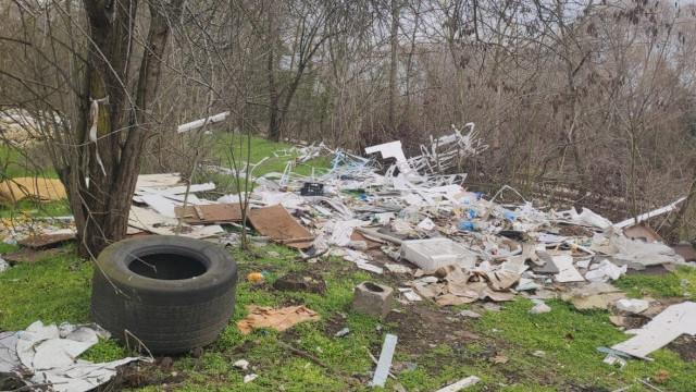 Републиканци за България – Варна сигнализира за замърсяване с отпадъци в близост до защитена територия