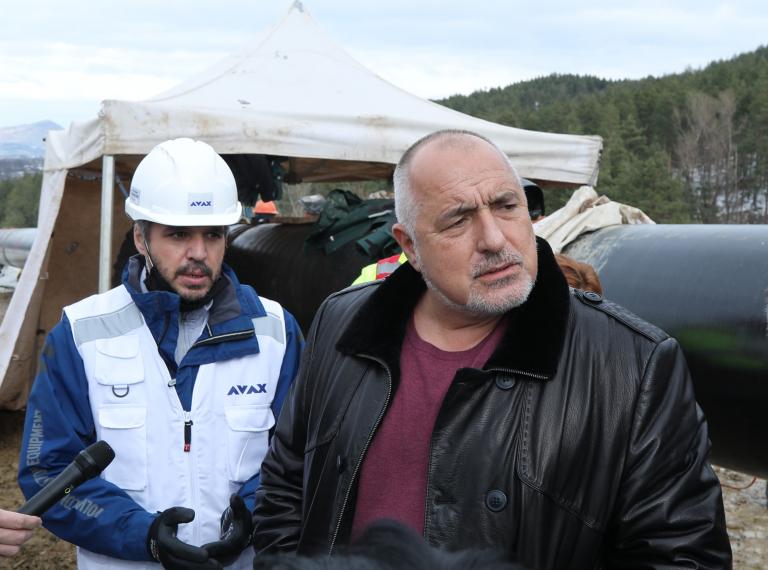 Премиерът Борисов провери напредъка на строителните дейности по изграждането на междусистемната газова връзка Гърция-България