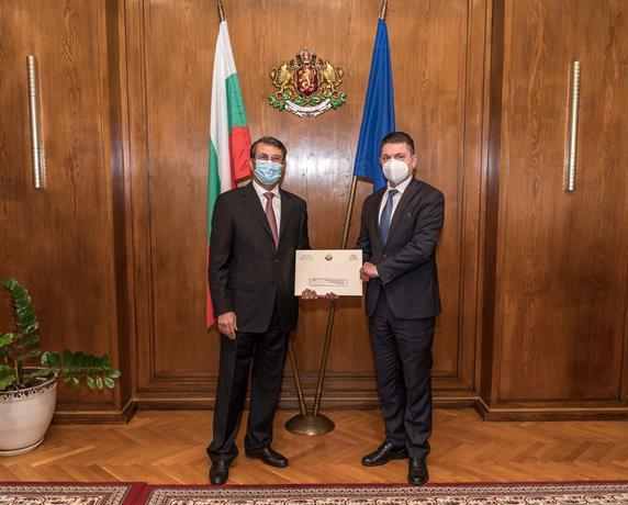 Министър Терзийски се срещна с посланика на Държавата Катар в България