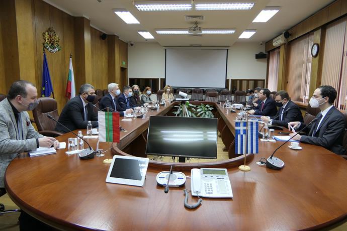 Гръцкият министър на миграцията и убежището Панайотис Митаракис беше на работно посещение в България