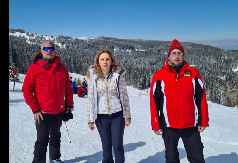 """Вицепремиерът Марияна Николова: Писта """"Стената"""" посреща туристи от днес, след 10 години прекъсване, а условията са отлични за зимни спортове"""