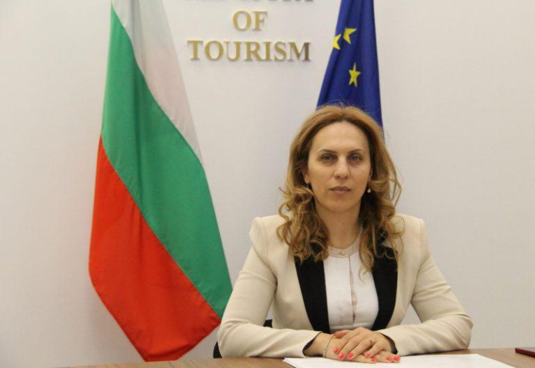 Вицепремиерът Марияна Николова разговаря с генералния секретар на Световната организация по туризъм към ООН