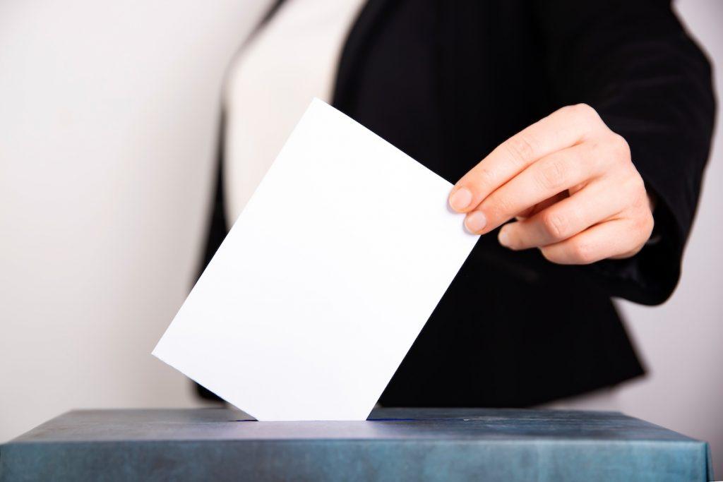 Демократична България поиска от ЦИК електронна заявка за гласуване на хората под карантина