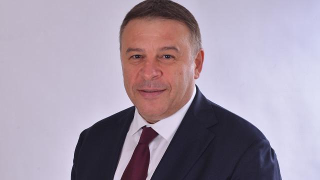 Д-р Атанас Камбитов: Заради хаотични действия в условията на COVID-19 и хората, и бизнесът умират