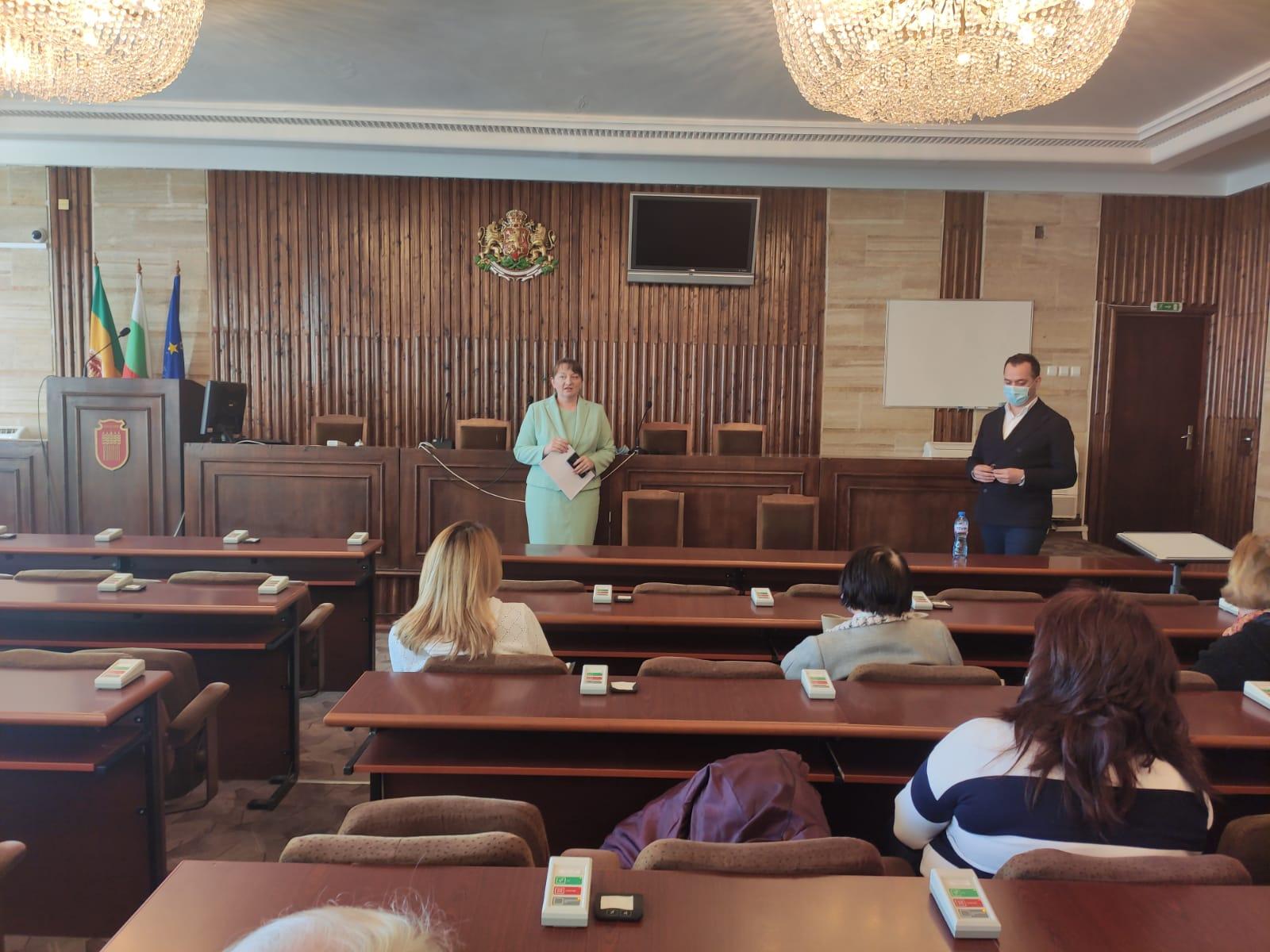 Министър Сачева: Ще подготвим стратегия за човешките ресурси в социалната сфера