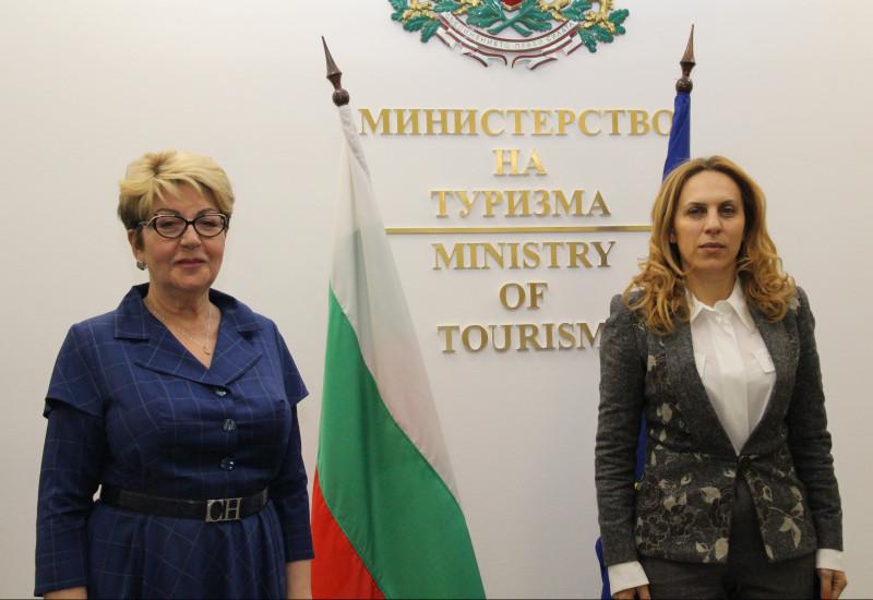 Вицепремиерът Марияна Николова пред руския посланик: България е готова да посрещне своите гости от Русия като една сигурна туристическа дестинация