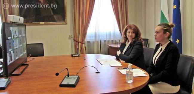 Последствията от пандемията върху психичното здраве на децата обсъдиха вицепрезидентът и експерти