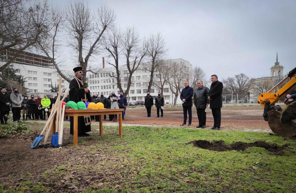 Започна изграждането на тренировъчен басейн във Военноморското училище