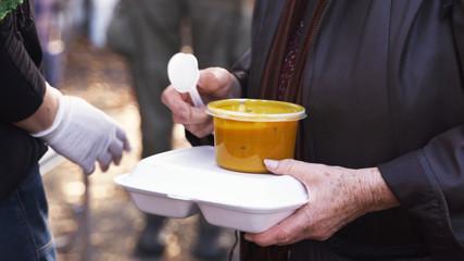 Одобрени са 215 проекта за осигуряване на топъл обяд за над 60 000 потребители