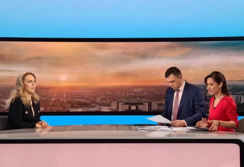 """Вицепремиерът Марияна Николова в """"Тази сутрин"""" по bTV: Практиката за безплатните чадъри и шезлонги е добра и ще я приложим и тази година"""