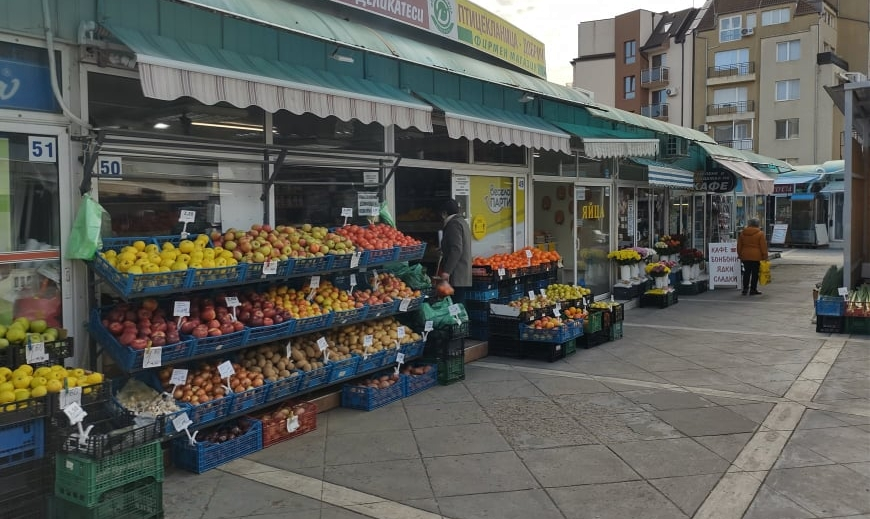 """От 1 май отпада изискването магазините за хранителни стоки да осигуряват """"зелен коридор"""" за възрастни хора"""