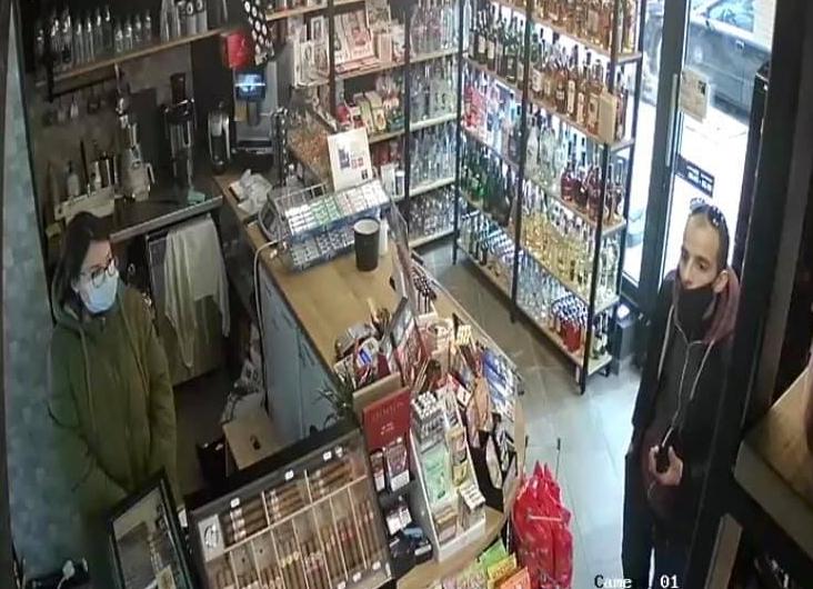 Видео: Мъж краде от магазин във Варна