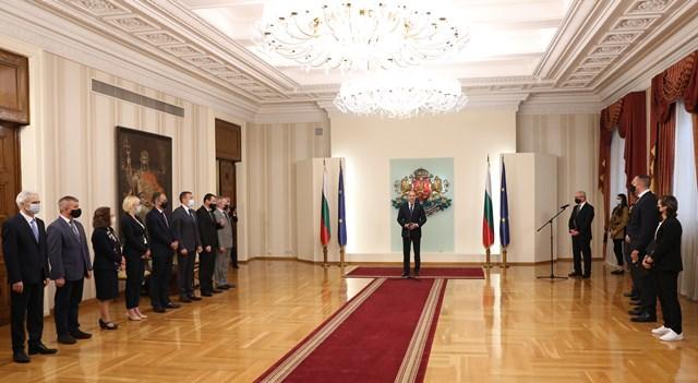 Министър Кузманов поздрави българските спортисти, удостоени с почетния знак на президента