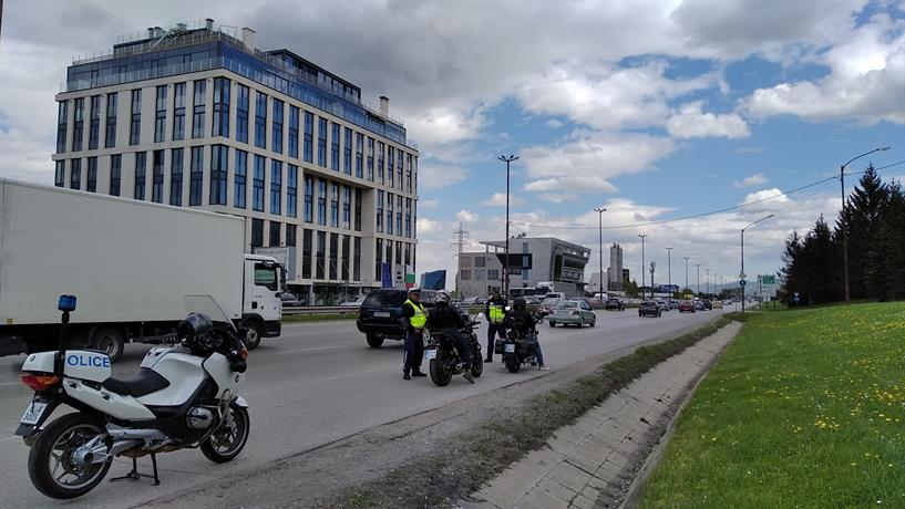В ход е операция за контрол на мотоциклетистите