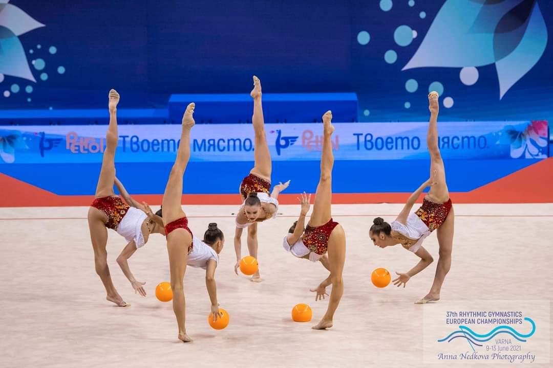 Златен медал за ансамбъла ни по художествена гимнастика на финала на 5 топки