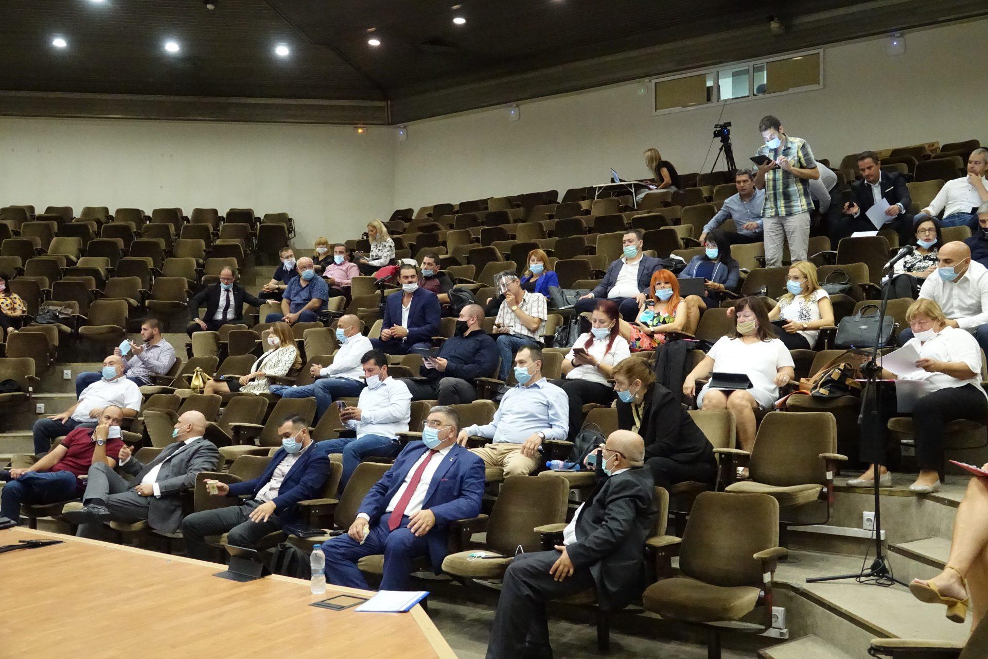 Общинският съвет във Варна възобновява присъствените си заседания