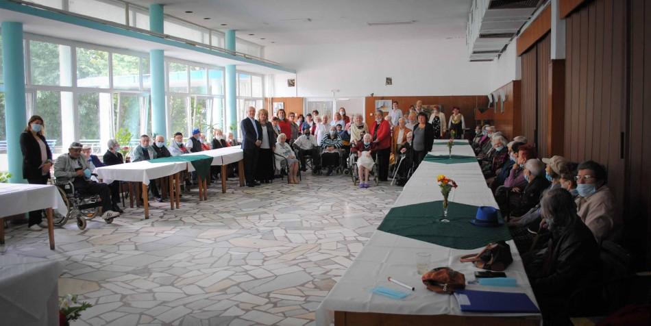 """Домът за стари хора """"Гергана"""" отбеляза 75-а годишнина"""