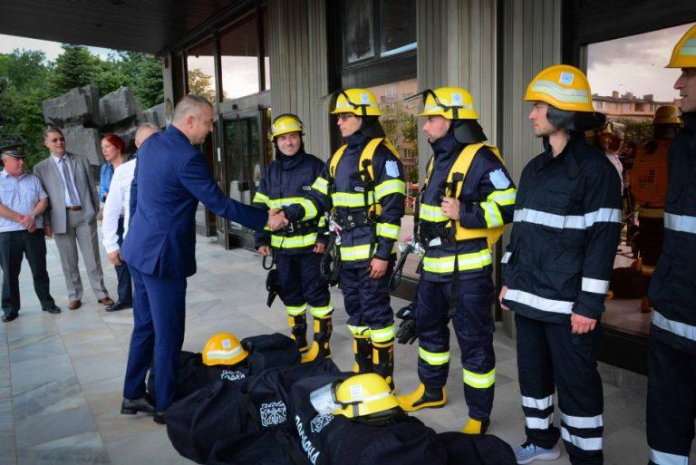 Ново пожарозащитно оборудване получи Доброволното формирование към Община Варна