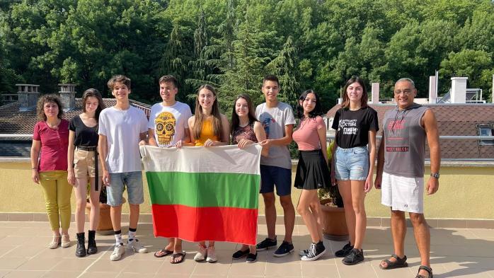 6 медала и грамота спечелиха отборите ни по лингвистика от 18-ата Международна олимпиада